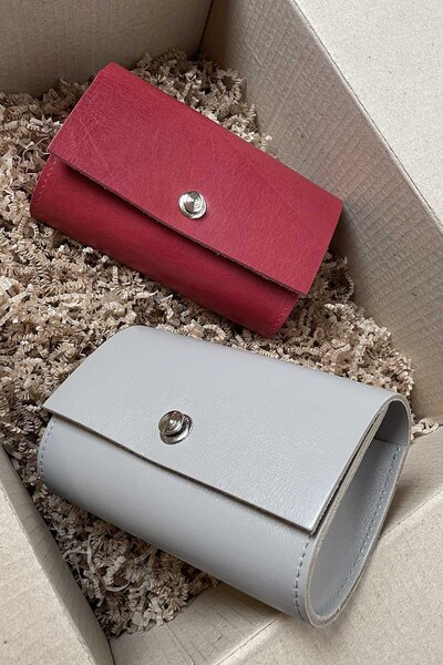 "Bag ""CODE: UNIK LB ""Crimson vegetable tanned leather"""