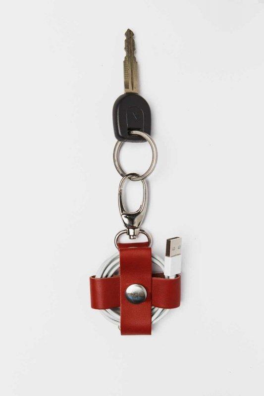 Красный матовый холдер с карабином